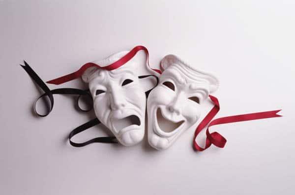 стихи о театре - метафора комедии и трагедии